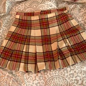 Old school Jcrew kilt style skirt!